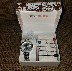 NIB Steve Madden Watch And Hairclip gift set
